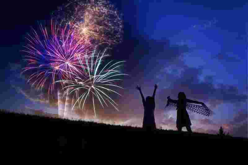 fireworks display, signifying an exciting time before bed, which counteracts deep sleep