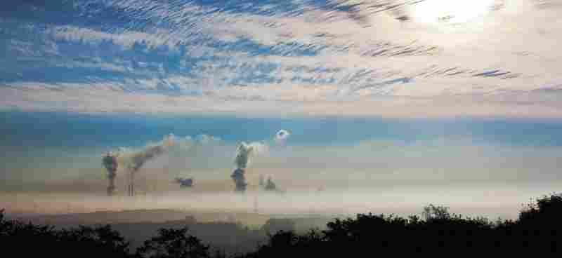 picture of polluted air wihch has been demonstrated to lower sleep quality