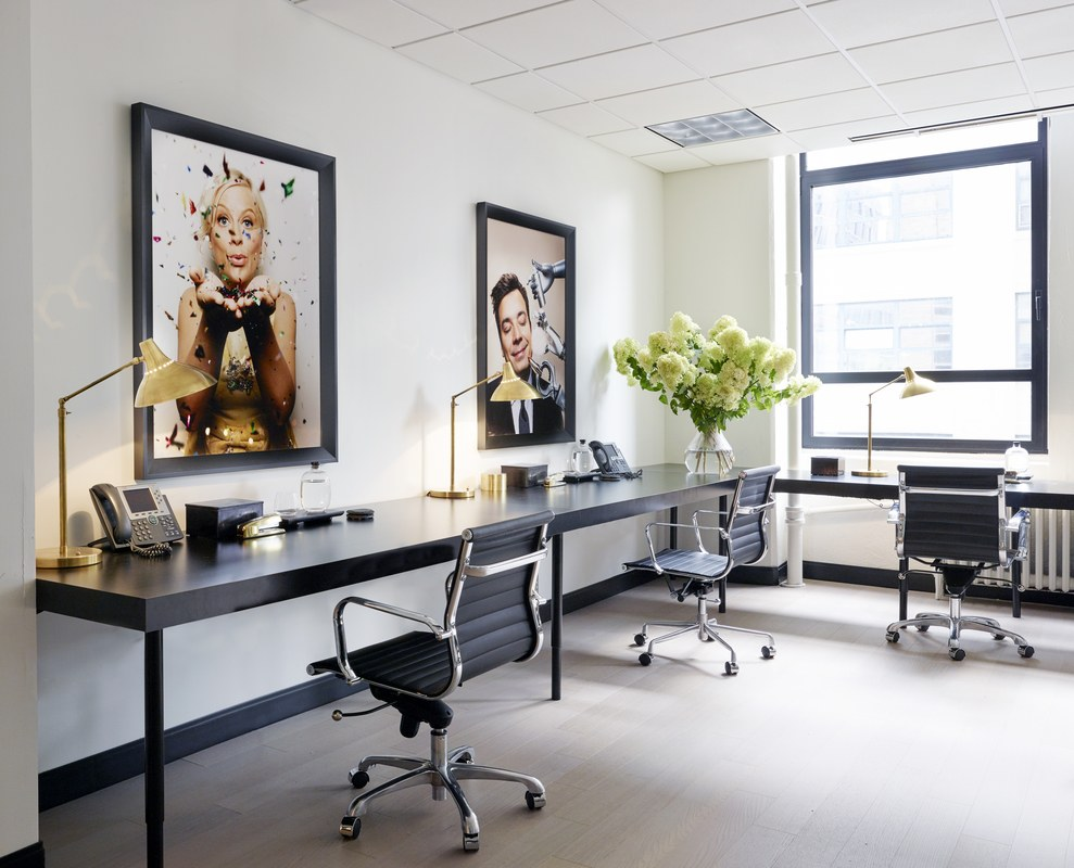 OFFICE TOUR: MINIMALISTIC & EDGY TRIBECA OFFICE OF ENTERTAINMENT ...