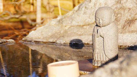 可愛らしい仏様がいる手水