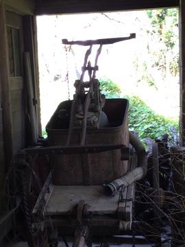 旧白山塾前の消防ポンプ