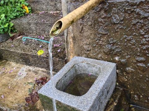いぼ地蔵の霊水