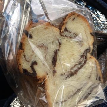 一番人気は4種類の味が楽しめるマーブルパン