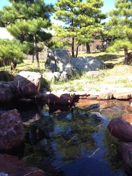 アツめの赤岩風呂あり