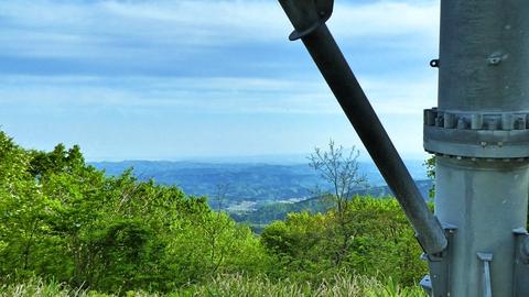 能越幹線134番鉄塔より宝達山が見える