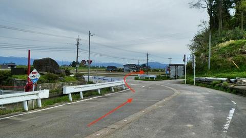 ここからは県道32号に。交通量多いので車に気をつけて