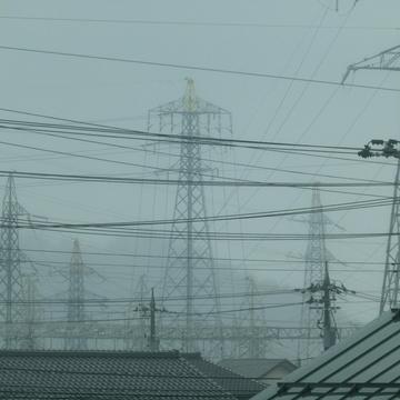 九頭竜川の先の松岡変電所