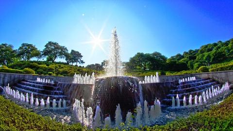 エントランス広場の噴水