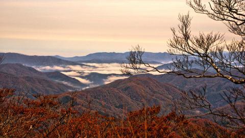 武生方向は盆地で霧が溜まりやすい