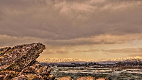 磁石岩付近。遠くには白山連峰