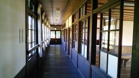 校内の廊下