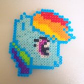 8-Bit Rainbow Dash Head