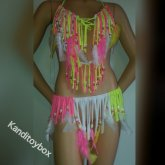 Neon Yellow And Pink Feather Kandioutfit
