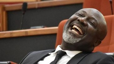Senator Dino Melaye's P.A Decamps To APC In A Very Dramatic Way With A Song [Video] 5