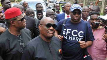 EFCC Raids Fayose's Residence In search Of 'Atiku Election Money', PDP Reacts 12