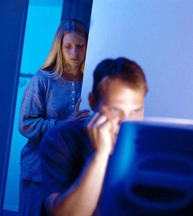 Algo así… pero en vez de estar consternada porque te la pasas viendo porno por internet… las esposas de David se consternaban porque se la pasaba descuartizando filisteos.