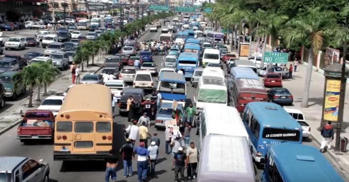 Está interesante el show de los gangsters del transporte y #DelCaosALaEsperanza