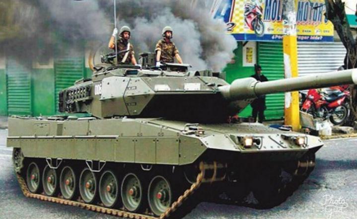 El montaje del tanque en SFM se coló como real y en primera plana