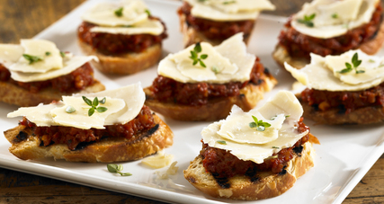 Crostini with blarney castle cheese and sundried tomato pesto