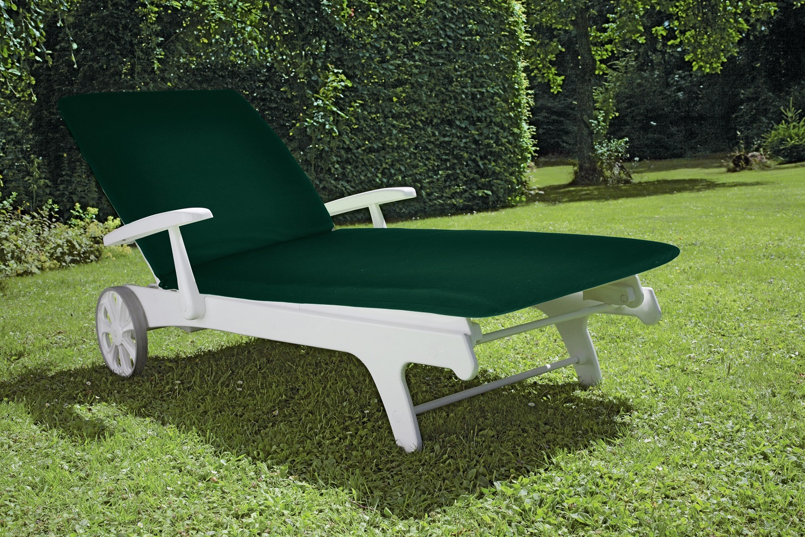 TIFFANY LOUNGER WITH GREEN other image