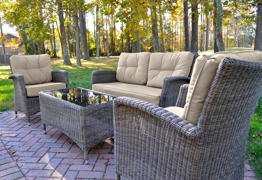 Lakena 4 piece set w/cushions