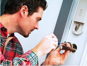 Keyway Lock Warns Consumers: Fake Locksmith Complaints are On the Rise!