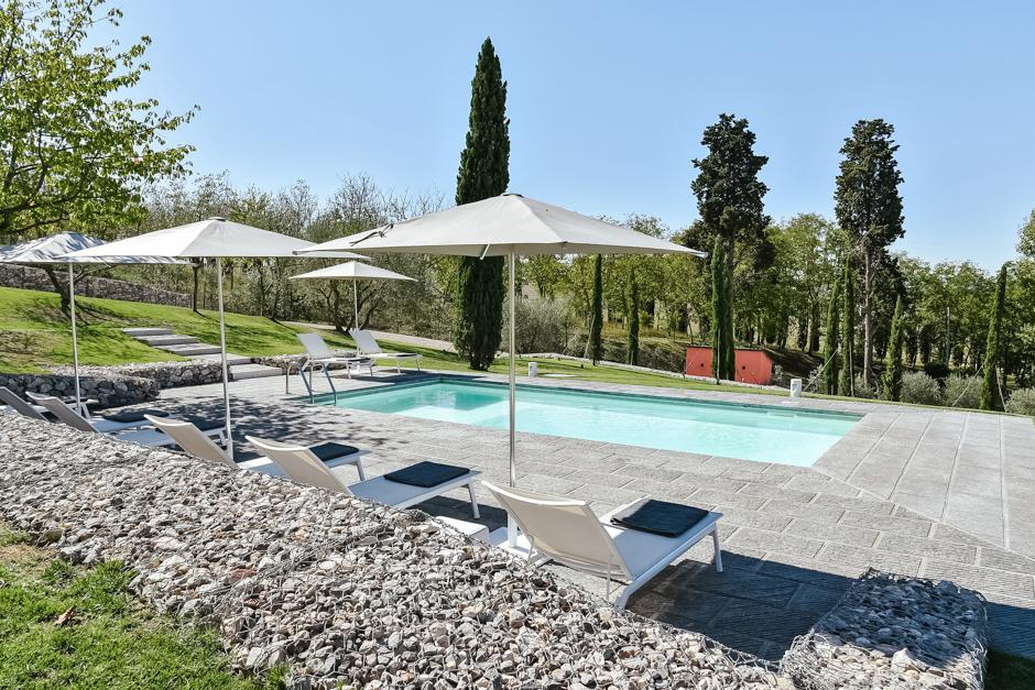les hamptons villa finest villa mille fiore with les hamptons villa trendy disappear into a. Black Bedroom Furniture Sets. Home Design Ideas