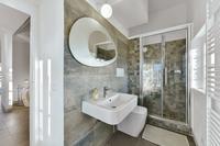 VillaChicPetite Bathroom
