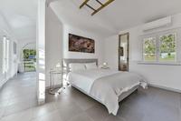 VillaChicPetite Bedroom