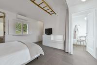 VillaChicPetite Bedroom02