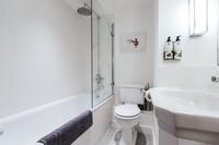 ParlourResidence Bathroom03