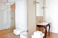 Villa Famiglia 6 Bathroom