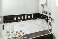 bathtub in luxury
