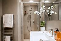 CrossingCorso Bathroom