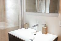 AvenueduGéndeGaulle Bathroom02