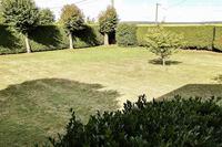 AvenueduGéndeGaulle Lawn