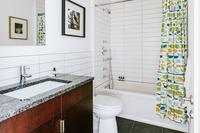 East7thStreet Bathroom02