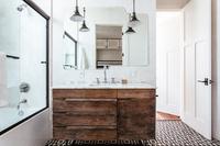 HollyCourt Bathroom02