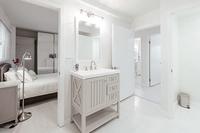 PlayaDelRey Bathroom03
