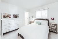 PlayaDelRey Bedroom02