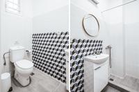 KaritsiPlaceApt3 Vert Bathroom02