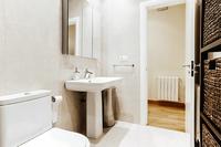 HerreraResidence Bathroom03