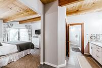 AlpineMeadows Bedroom02