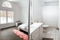 DouglasCourt Bedroom Bathroom