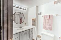 SinclairRoad Bathroom03