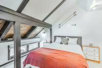 SinclairRoad Bedroom04
