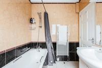 SquareResidence Bathroom04