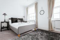 CambridgeStreet Bedroom04