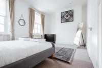 CambridgeStreet Bedroom06