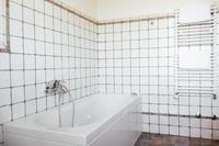 VillaMaura Bathroom02